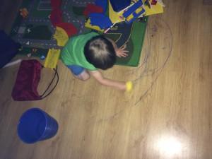 Malen unerzogene Kinder immer nur Wände an?