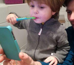 Playbrush - die interaktive Zahnbürste, die Spaß beim Putzen garantiert!