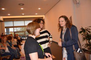 Von links nach rechts: ich, Olivia von FreeFamily.rocks als unser Ehrengast und Keynote Speaker und Nicola Schmidt, die unverwechselbare Gründerin des artgerecht Projekts.