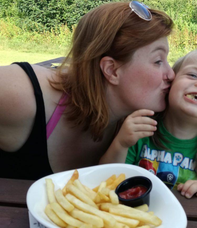 Eins für's Herz, eins für die Seele: mein Leben mit einem normal sensiblen und einem hochsensiblen Kind